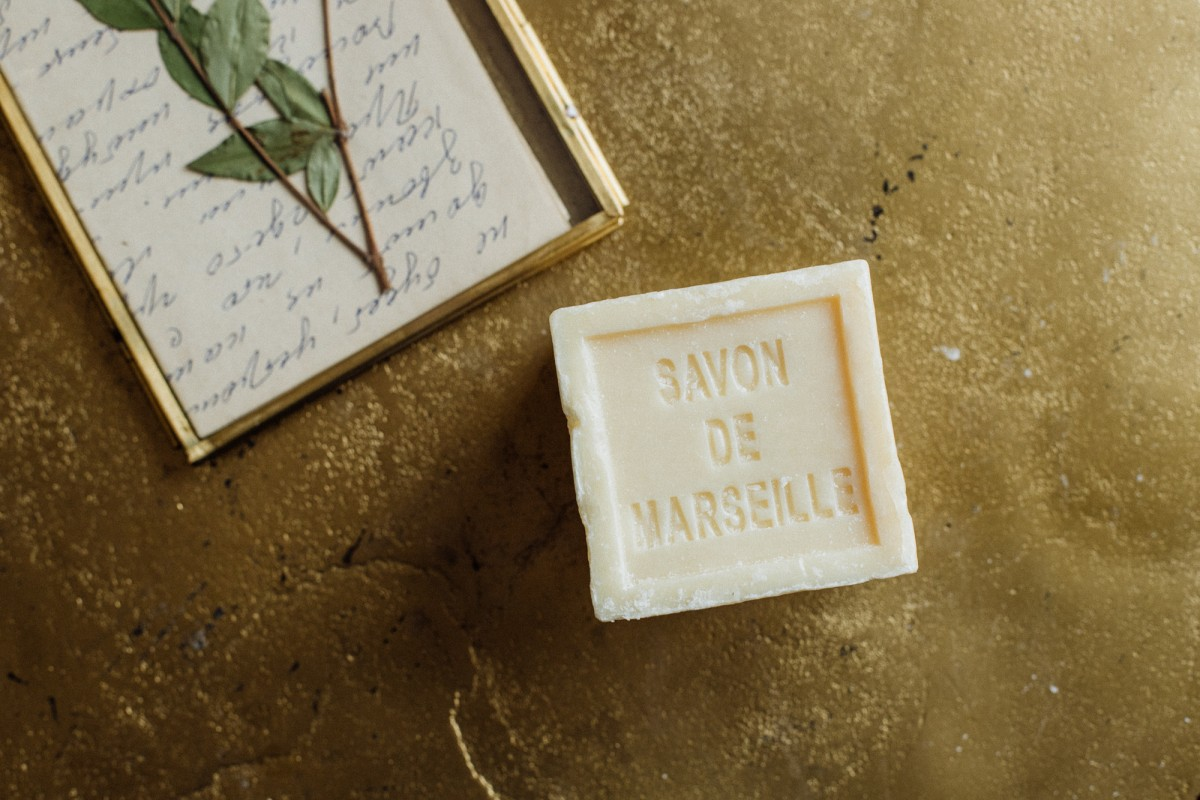 Натуральное марсельское мыло в форме куба 300 гр.